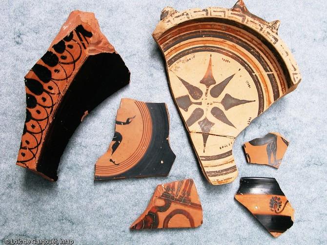 Fragments de c ramiques attique corinthienne et locale issus inrap - College vieux port marseille ...
