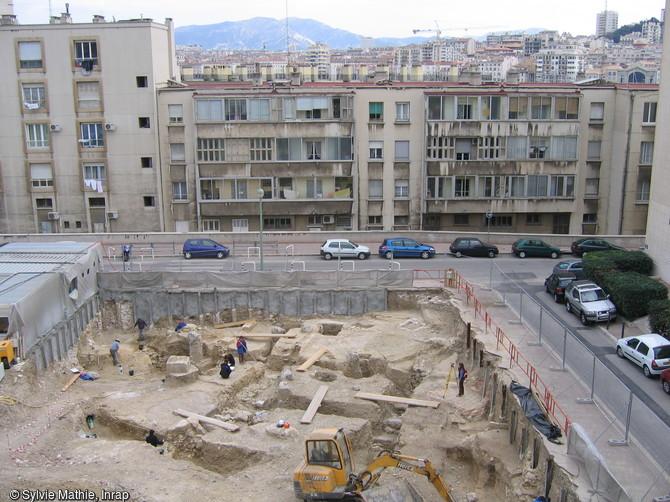 Marseille cit grecque les fouilles du coll ge vieux - Au vieux port restaurant marseille ...
